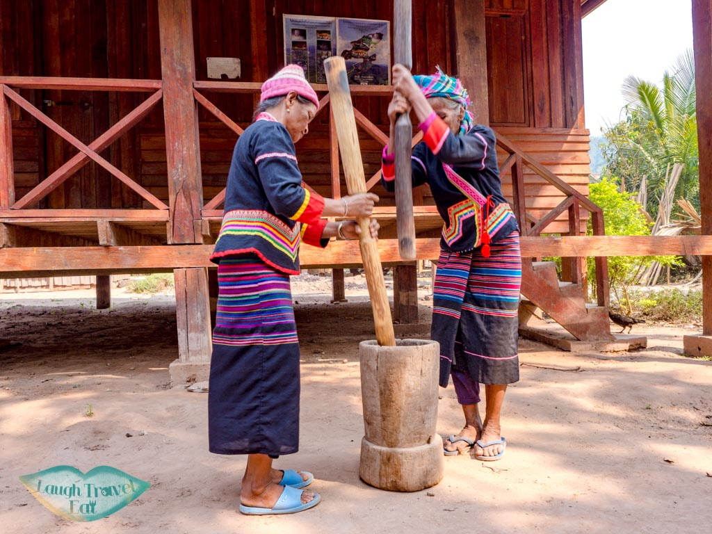 rice-dehusk-na-lan-village-nam-ha-national-park-luang-namtha-laos-laugh-travel-eat