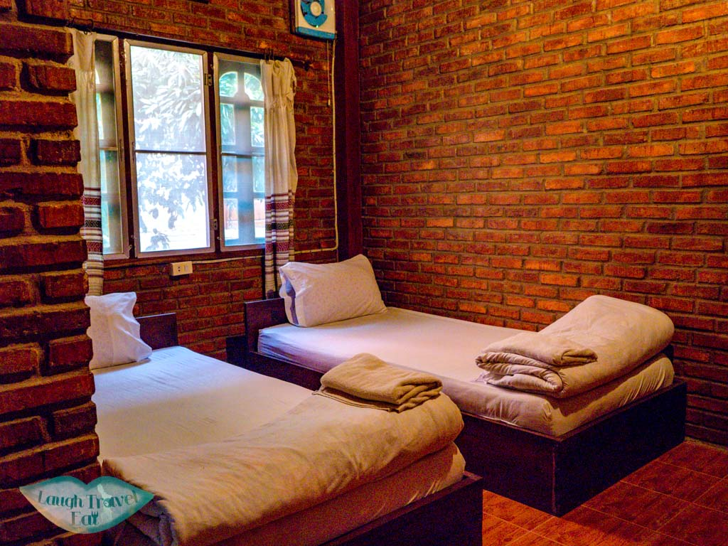 twin-room-zuela-guest-house-luang-namtha-laos-laugh-travel-eat