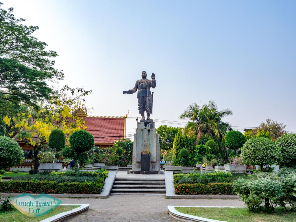 Statue-of-King-Sisavangvong-vientiane-laos-laugh-travel-eat