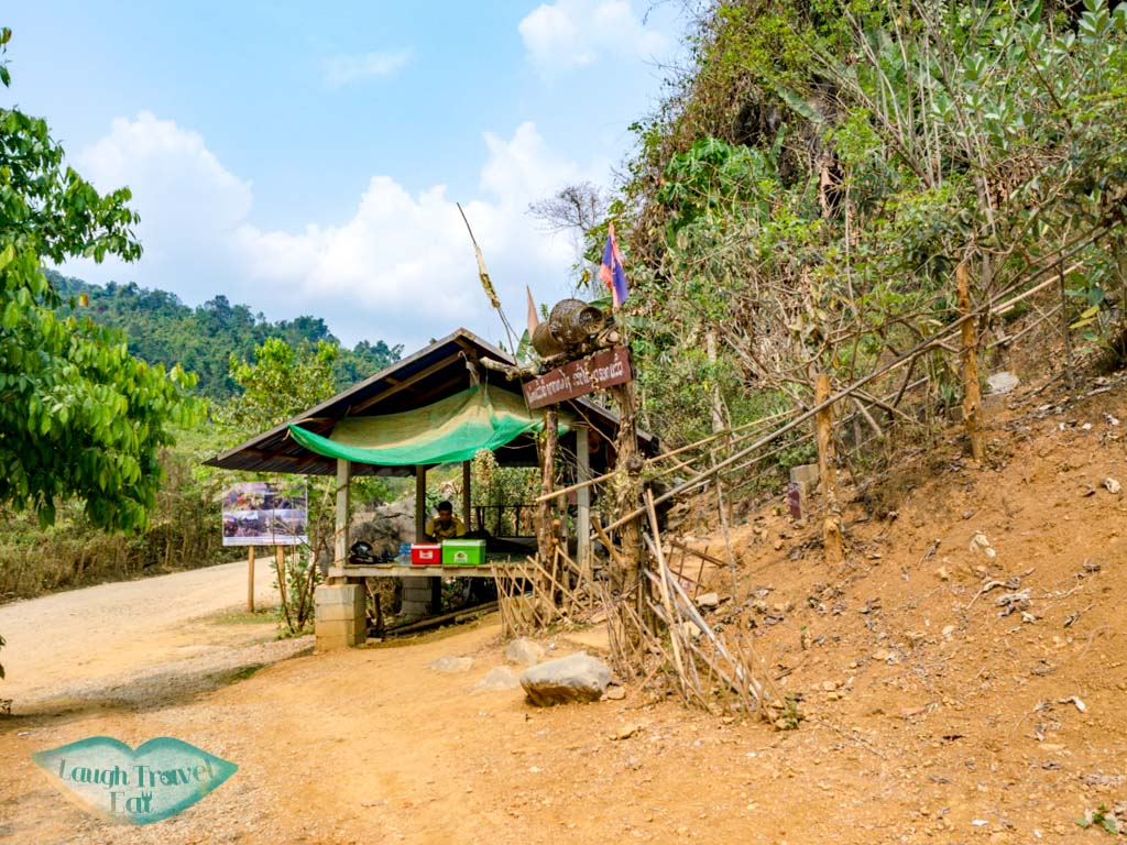 entrance-to-nam-xay-viewpoint-vang-vieng-laos-laugh-travel-eat