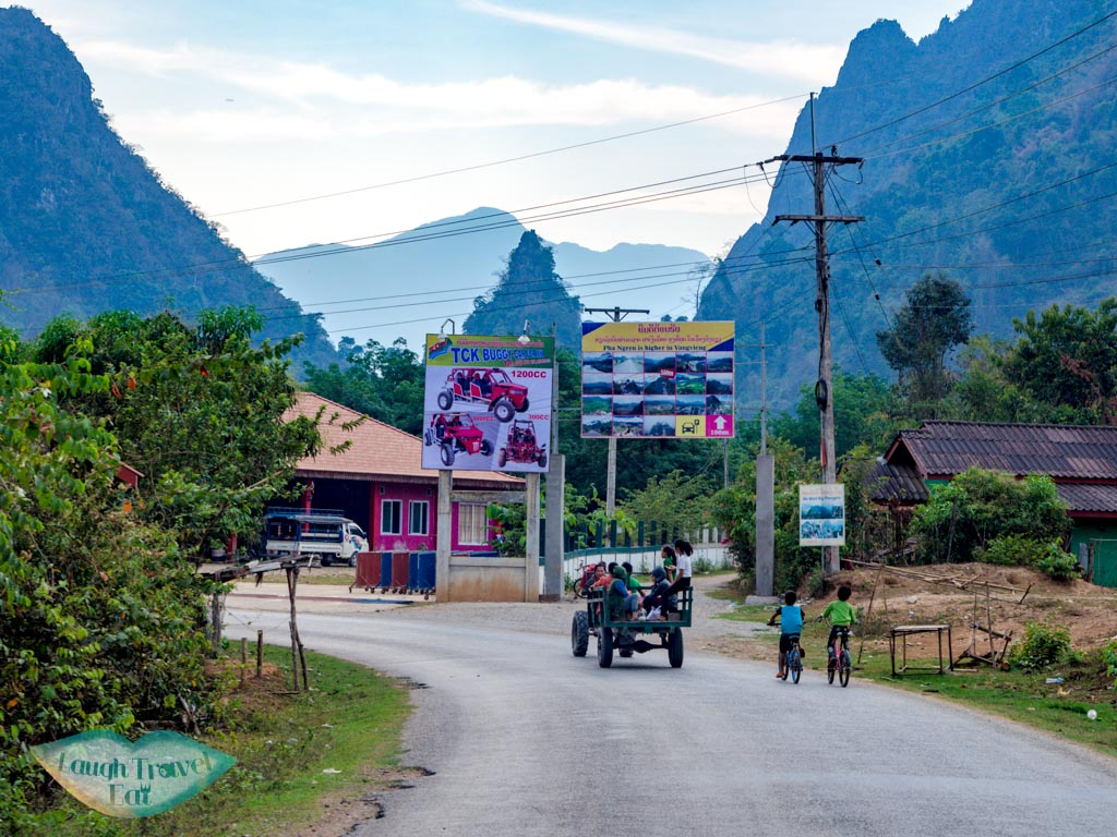 fork-to-pha-ngern-hill-vang-vieng-laos-laugh-travel-eat