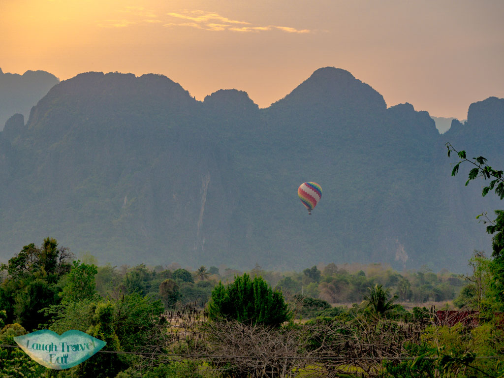 hot-air-balloon-vang-vieng-laos-laugh-travel-eat