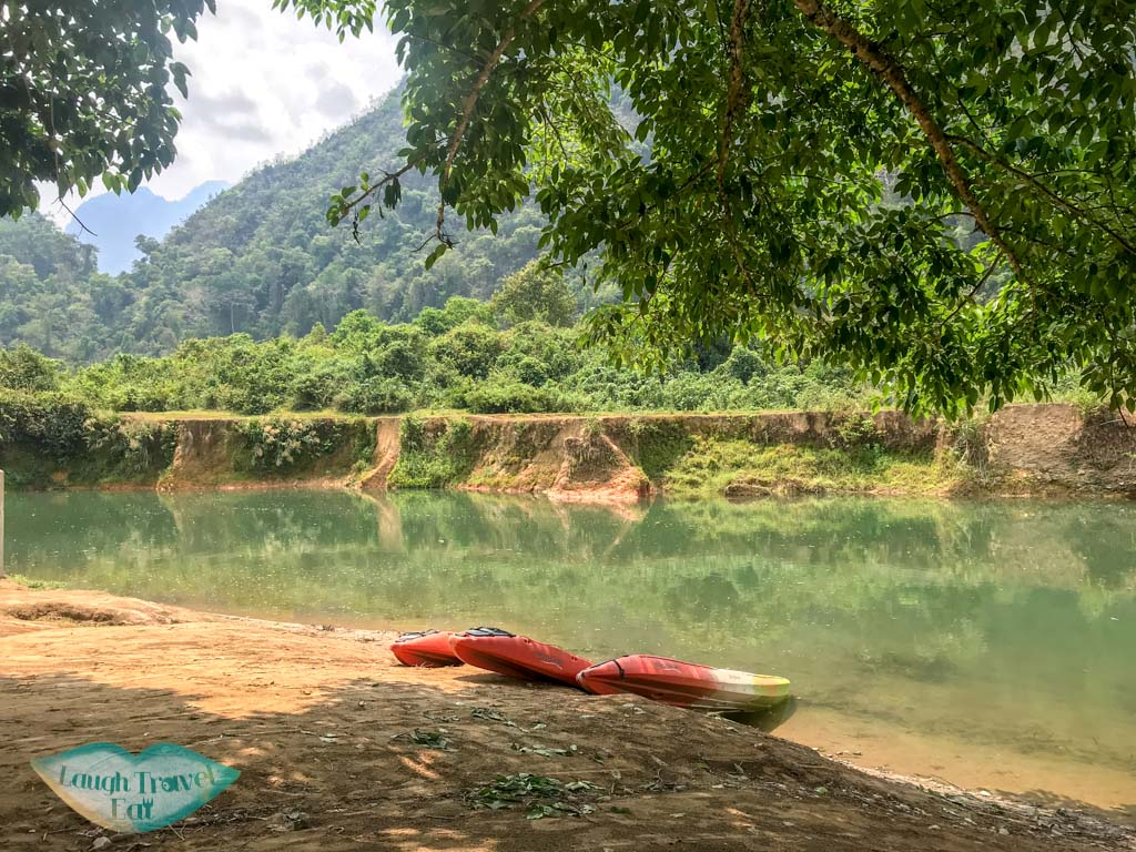 kayak-tour-vang-vieng-laos-laugh-travel-eat-05