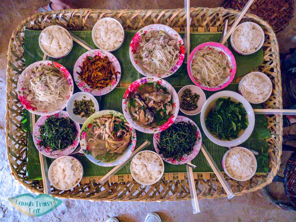 lunch-at-Ban-Nam-Chang-houay-xay-laos-laugh-travel-eat