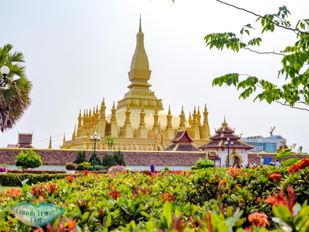 pha-that-luang-vientiane-laos-laugh-travel-eat