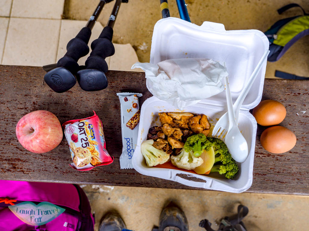 packed-lunch-mount-kinabalu-sabah-malaysia-laugh-travel-eat
