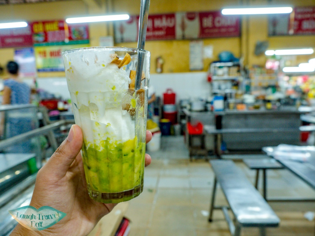 avocado ice cream con market food court danang vietnam - laugh travel eat