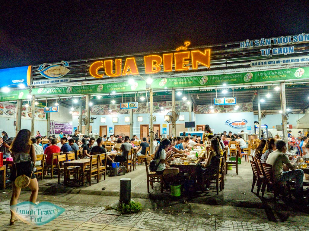 cua bien seafood restaurant danang vietnam - laugh travel eat