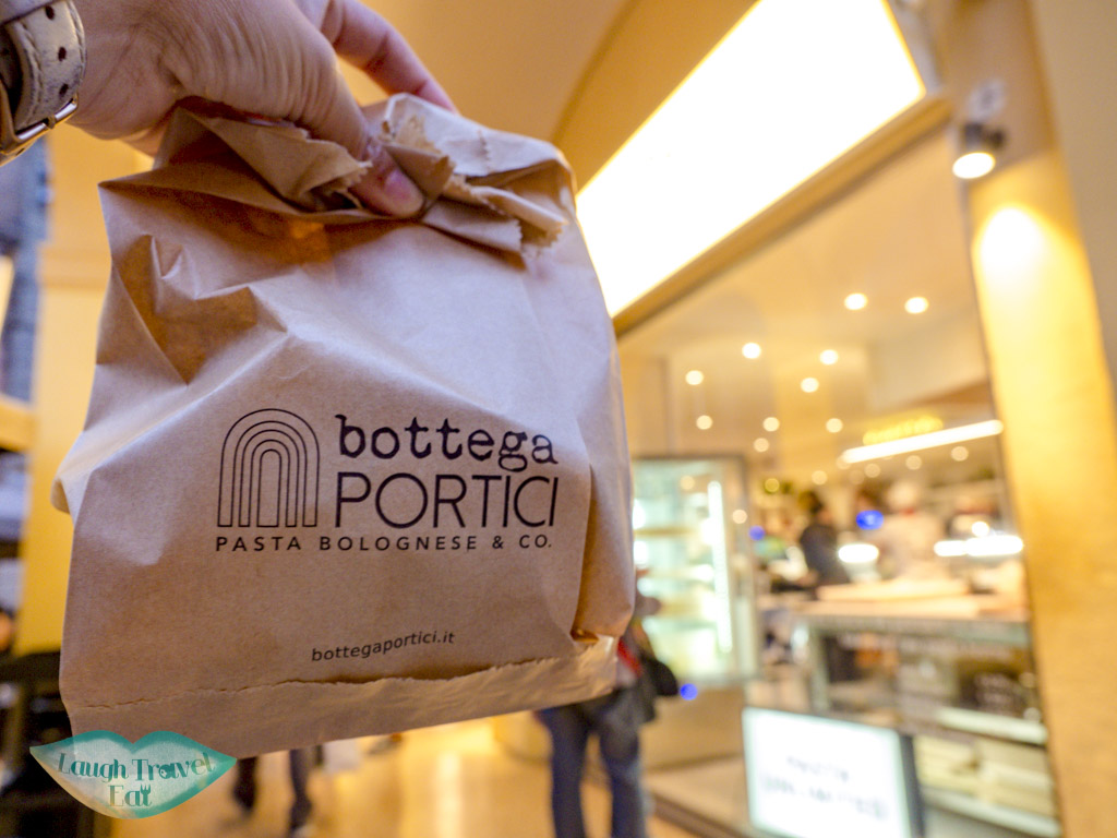 takeaway Bottega Portici - 2 Torri bologna italy - laugh travel eat