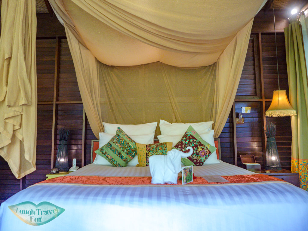 bed villa zeavola koh phi phi thailand - laugh travel eat