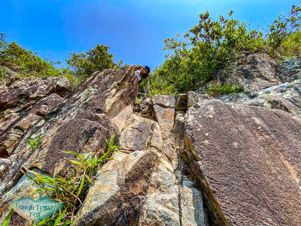 goldfish tail arch to trail on top of the mountain jin island sai kung hong kong - laugh travel eat-2