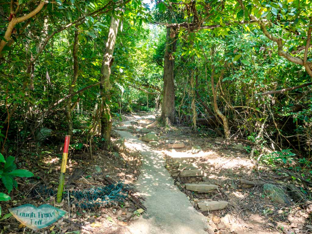 stanely fort to Che Pau Teng rhino rock trail start hong kong - laugh travel eat