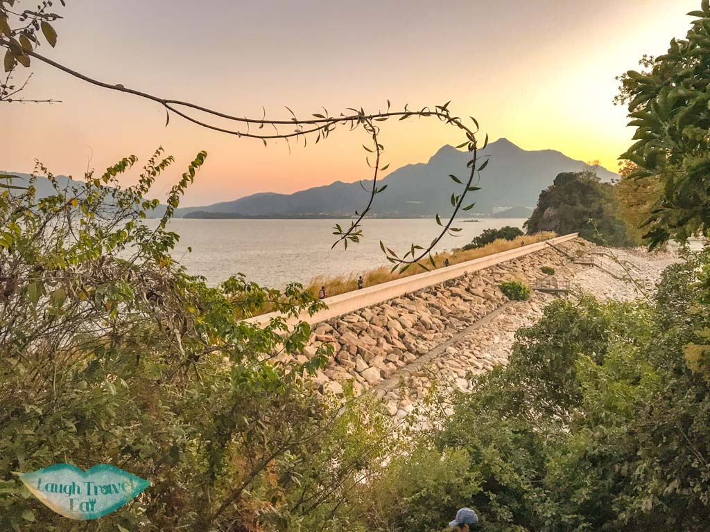 Pak Kung Tsui to tai mei tuk main trail plover cove country park trail hong kong - laugh travel eat