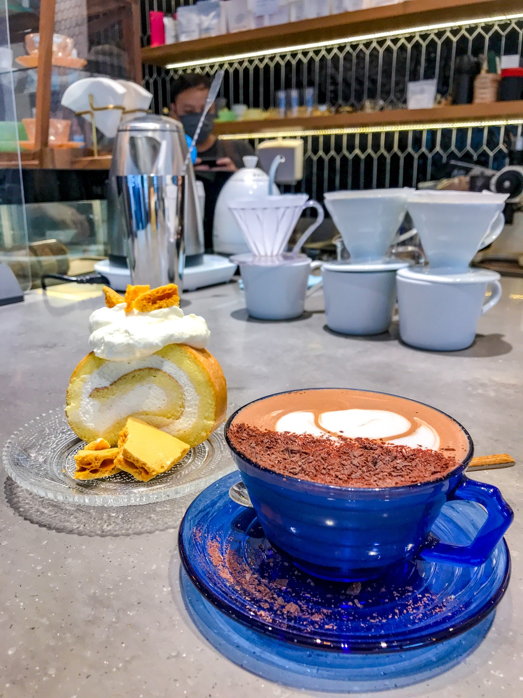egg roll and hot chocolate at flow sham shui po cafe sham shui po food hong kong - Laugh Travel Eat-2